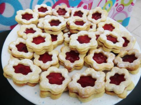 Strawberry star cookies